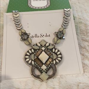 Stella & Dot Kaia Statement Necklace
